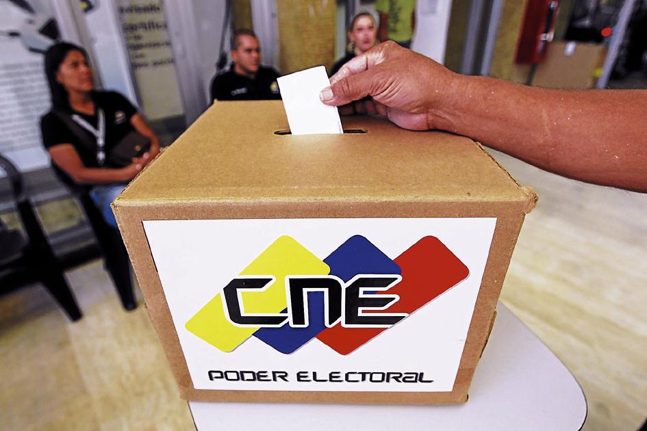 Presidente Nicolás Maduro aceptó el respaldo para la candidatura presidencial del PPT