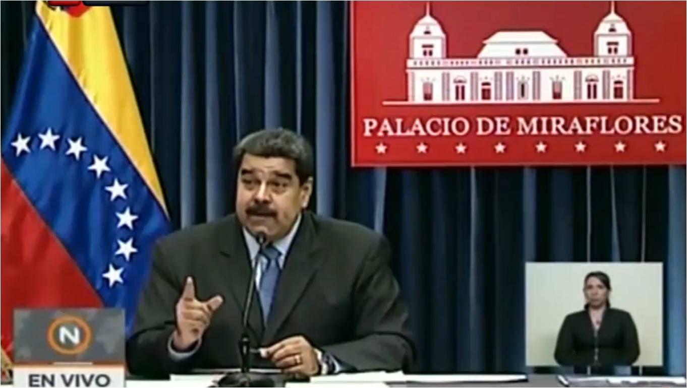 Maduro da clases de periodismo a corresponsal por bomberos presos