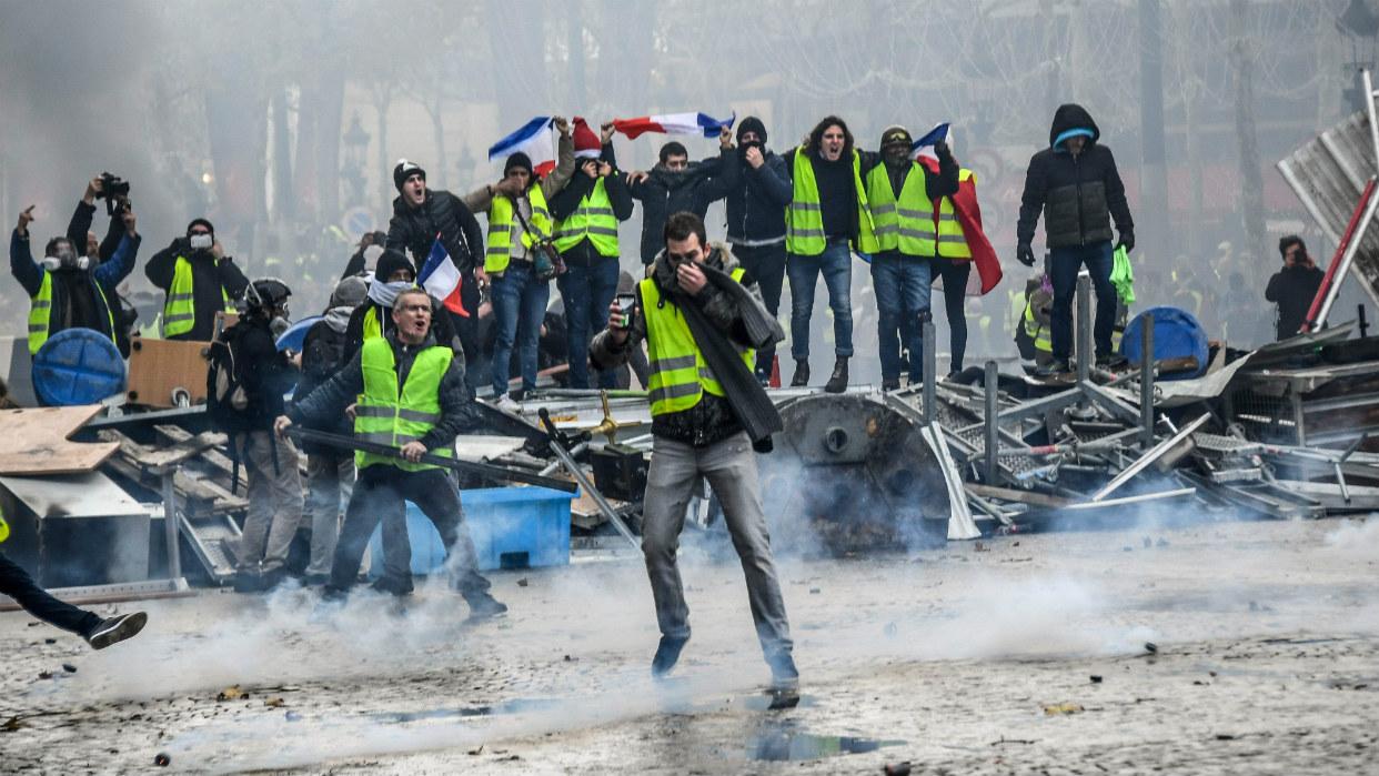 En directo: Los chalecos amarillos vuelven a protestar en las calles de París